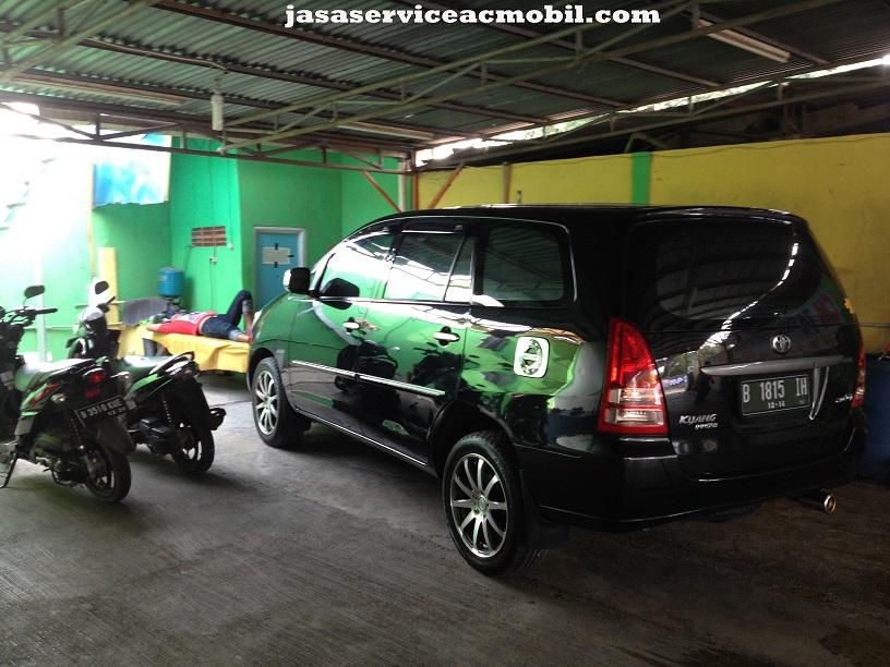Jasa Service AC Mobil di Jaticempaka Jakarta Timur