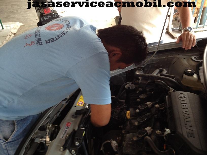 Jasa Service AC Mobil di Kebon Nanas Jakarta Selatan