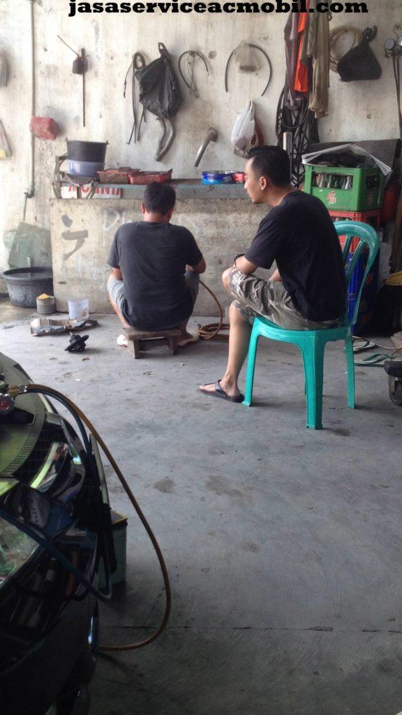 Jasa Service AC Mobil di Jalan Kemang Sari Raya Jatibening Bekasi