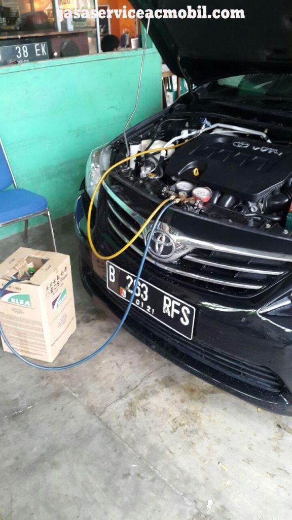 Jasa Service AC Mobil di Jalan Keahlian Jatiwaringin Bekasi