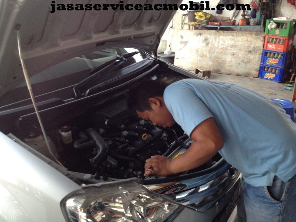 Jasa Service AC Mobil di Jalan Unkris Jatiwaringin Bekasi
