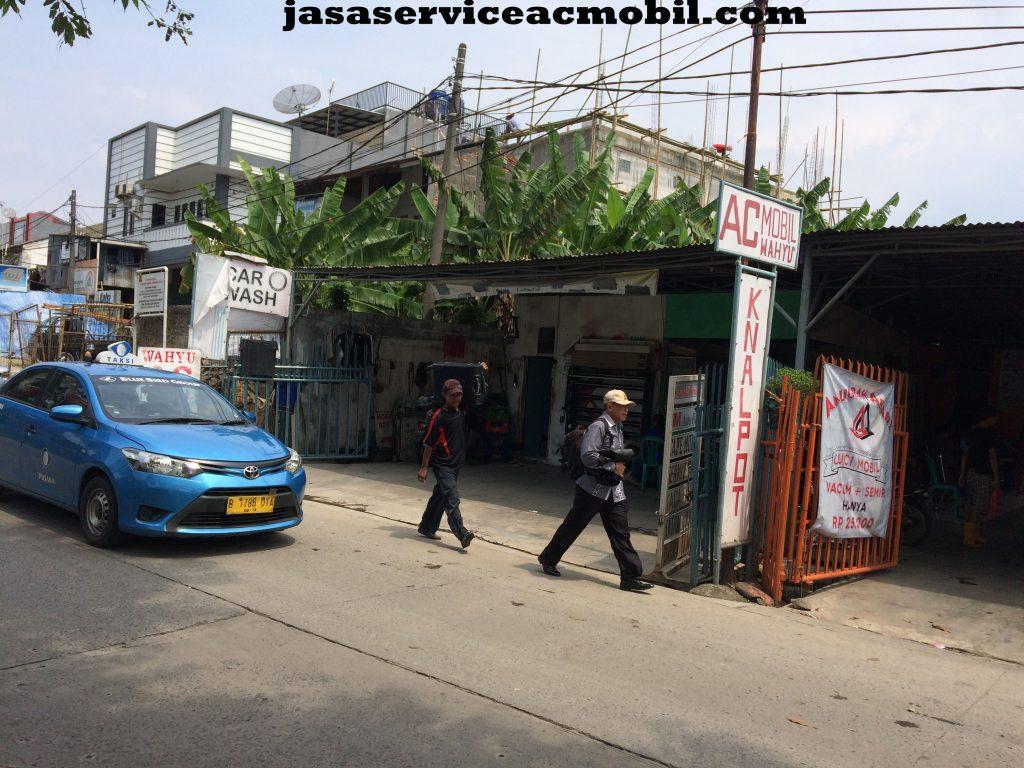 Jasa Service AC Mobil di Mampang Prapatan Jakarta Selatan